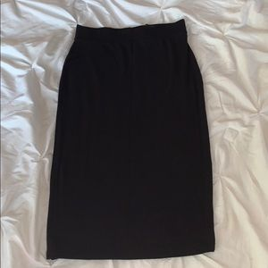 Form Fitting Black Skirt